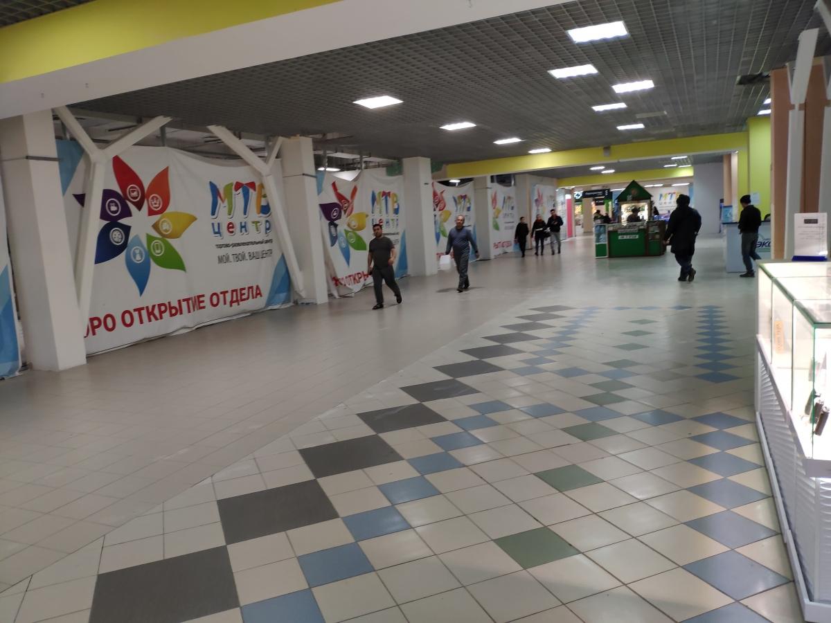 Пустующие площади на первом этаже МТВ-центра