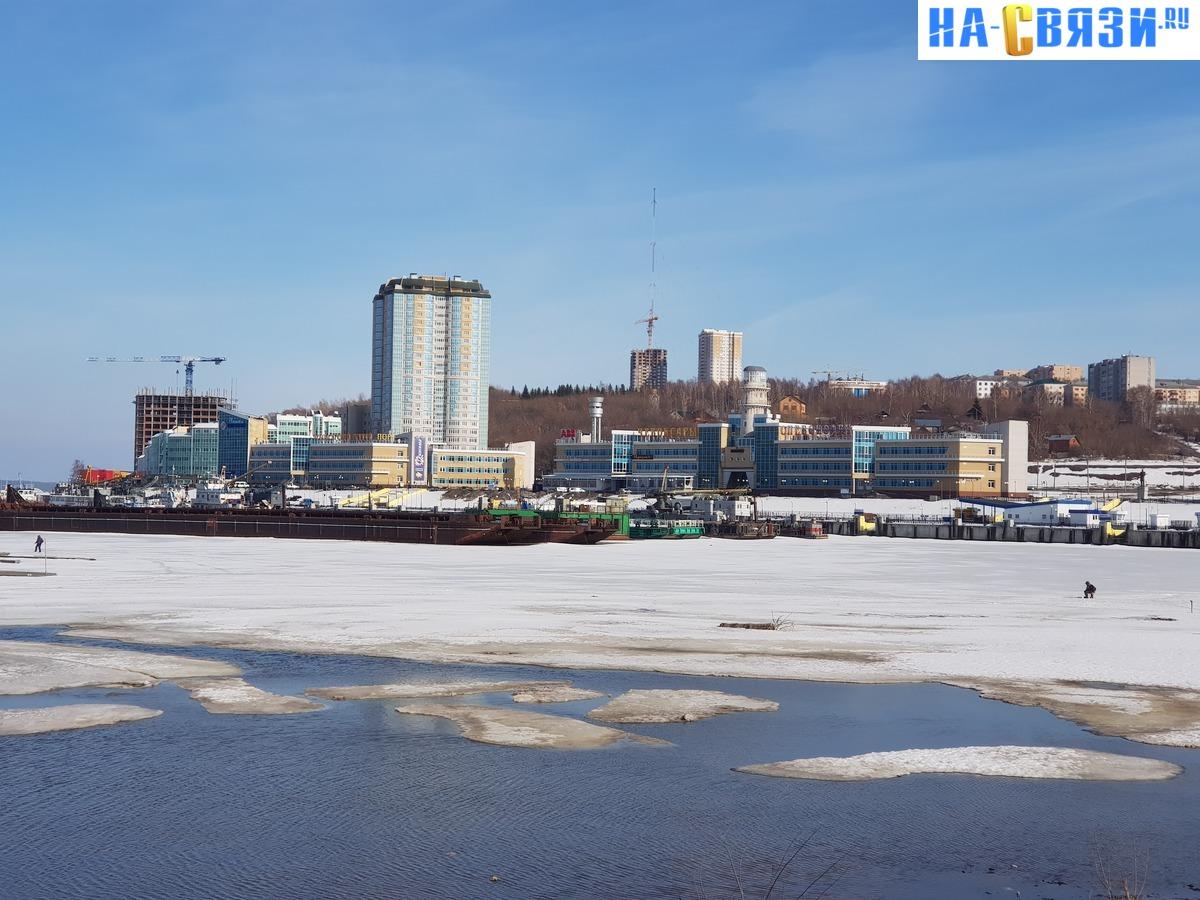 Пейзажи чебоксарского залива всё более урбанистичнее...