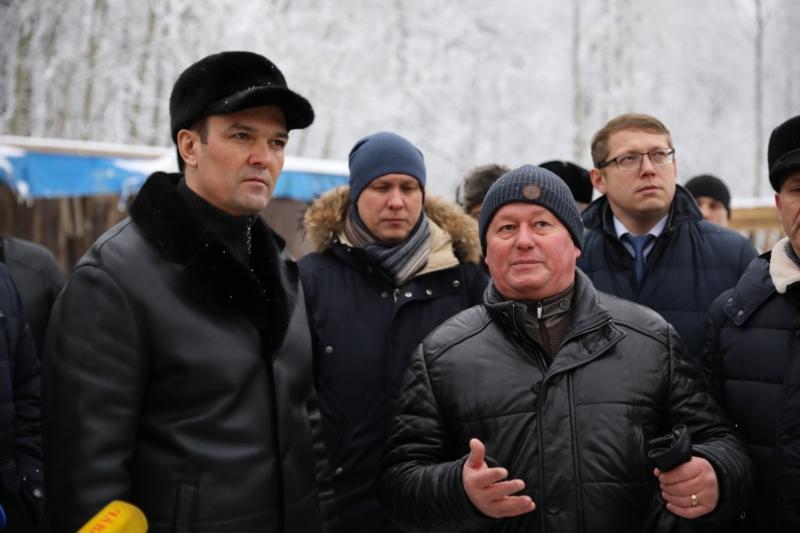 На переднем плане экс-глава Чувашии Михаил Игнатьев и гендиректор «Старко» Андрей Александров