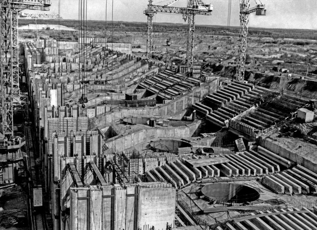 Строительство Чебоксарского гидроузла. 1970-е годы